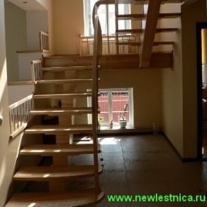 Деревянные лестницы на косоурах для дома и дачи