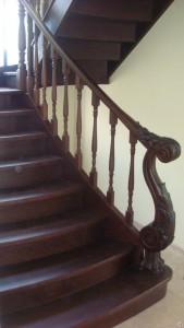Деревянные лестницы на тетивах для дома и дачи