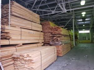Сухие пиломатериалы из ценных и хвойных пород древесины